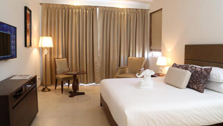 Hotel Rooms Near Candolim Beach Goa Lemon Tree Hotel