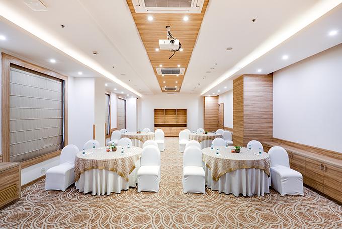 Lemon Tree Hotel - Business Hotel in Sector 60, Gurugram