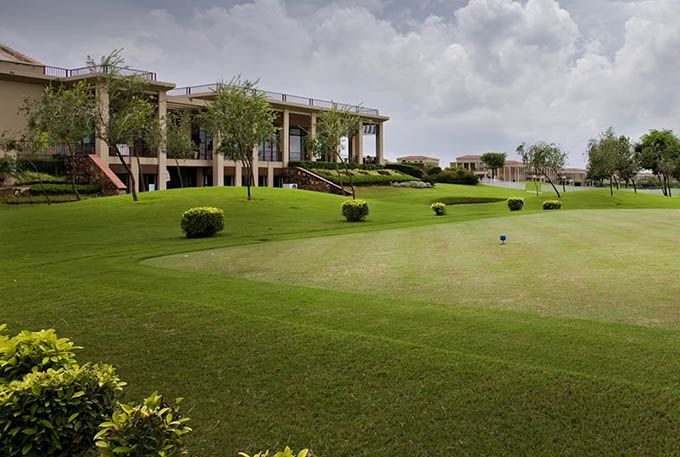 Golf Resort in Manesar, Gurgaon - Lemon Tree Hotel, Tarudhan Valley