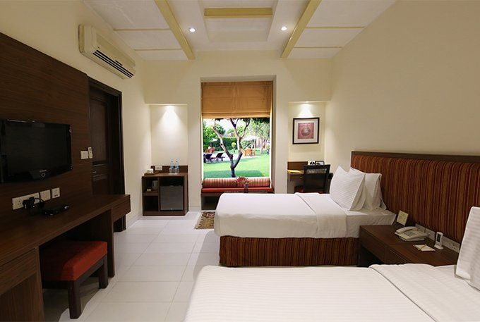 Deluxe Room of Lemon Tree Hotel Tarudhan Valley